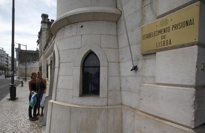 Nove torres do Estabelecimento Prisional de Lisboa sem vigilância