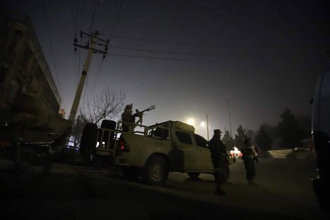 Homens armados atacam hotel na capital do Afeganistão