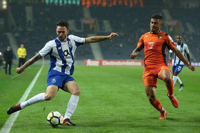 Sevilha e FC Porto têm princípio de acordo por Layún