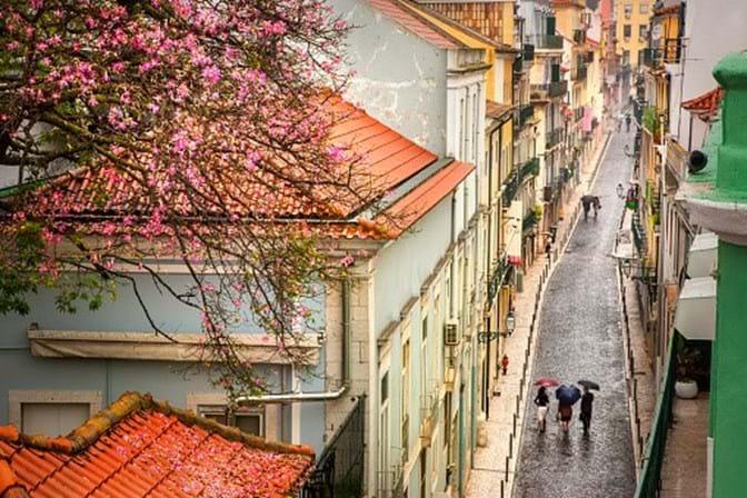 INE: Desemprego em Portugal recua para 7,6%