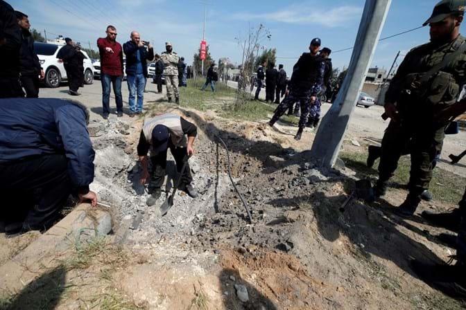 Granada atirada contra primeiro-ministro palestiniano deixa sete feridos