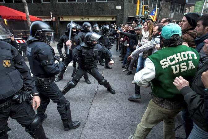 Secretas espanholas avisaram Alemanha para fazer espera a Puigdemont