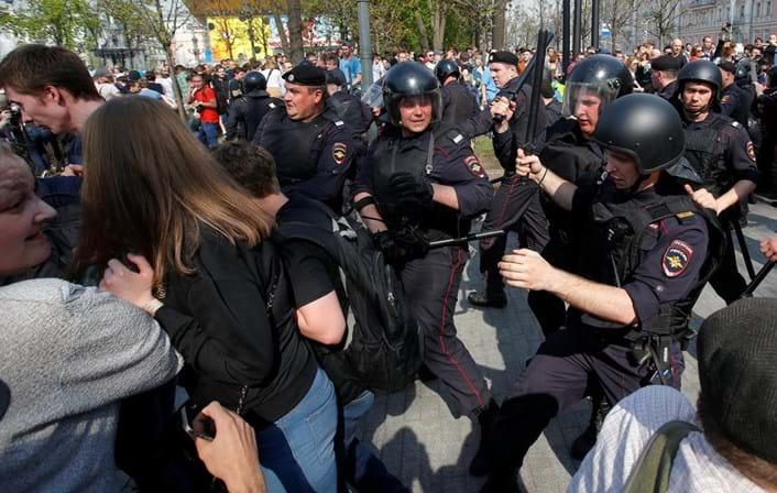 Rússia: mais de mil pessoas detidas em manifestações anti-Putin