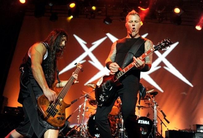 Metallica Homenagearam Z Pedro Dos Xutos Pontaps Ao Tocar A Minha Casinha