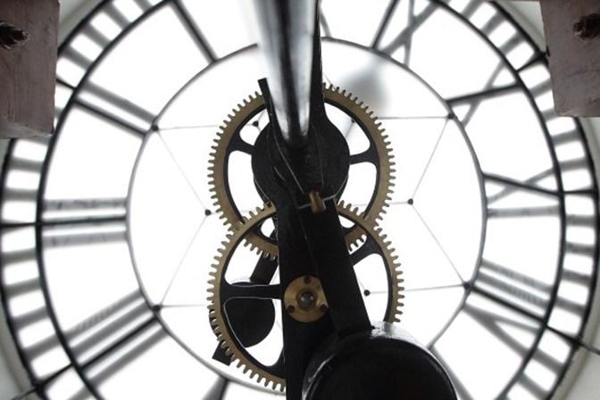 ecd8d747a11 Por que razão é que o relógio pára quando olhamos para ele ...