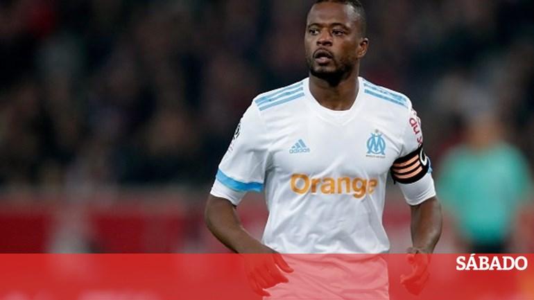 Marselha rescinde contracto com Evra - Futebol - SÁBADO 32ff8debed846