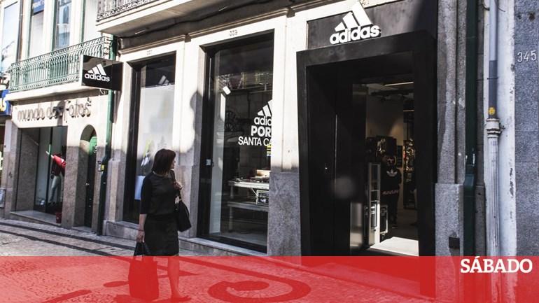 f56d40f2766 Dívida milionária obriga ao encerramento de 11 lojas da Adidas - Portugal -  SÁBADO